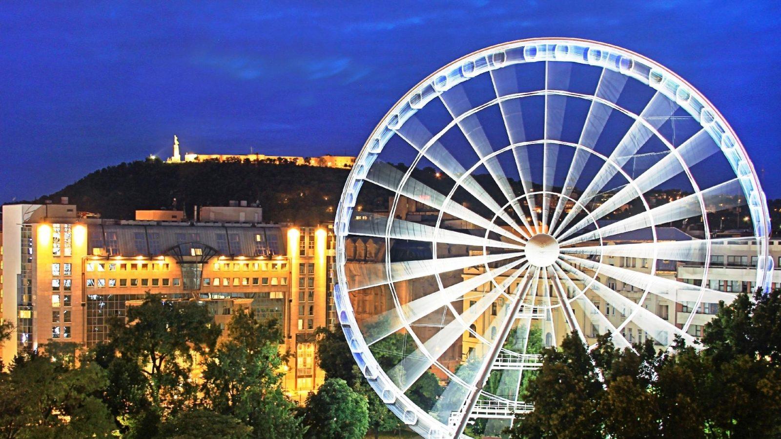 מלון קמפינסקי נוף של גלגל ענק