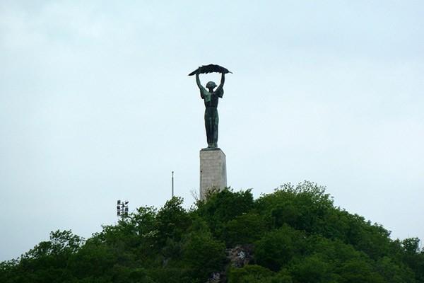 פסל החירות הר גלרט