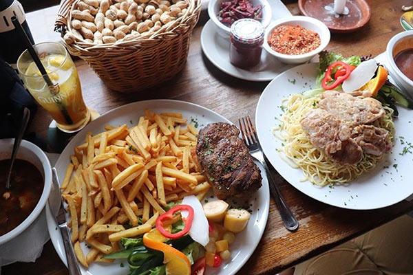 מנות גדולות במסעדת פור סייל