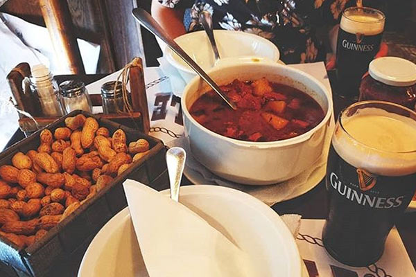 גולאש במסעדת פור סייל